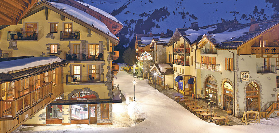 France_Les-Arcs_Le-Village-Apartments_Exterior-winter-night2.jpg